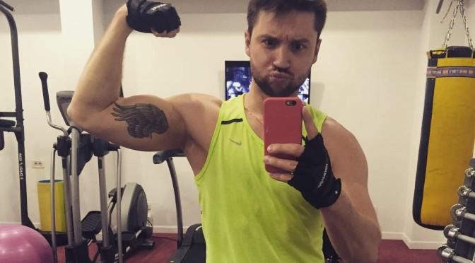 Сергей Лазарев поддерживает форму даже во время отдыха